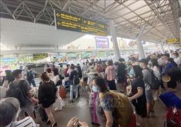 Bộ trưởng Nguyễn Văn Thể chỉ đạo tháo gỡ ùn tắc tại sân bay Tân Sơn Nhất