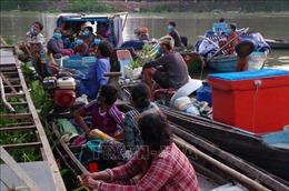 Phát hiện 7 ghe gỗ chở 14 người chuẩn bị nhập cảnh trái phép vào Việt Nam