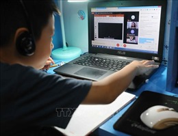 Hà Nội nỗ lực hoàn thành 'nhiệm vụ kép' khi dạy và học trực tuyến