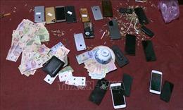 Bắt giữ các đối tượng lợi dụng giãn cách xã hội để đánh bạc, trộm tài sản