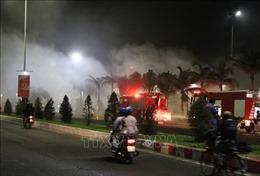 Cháy lớn tại quán bar Sands Bay ở Phú Yên