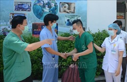 Điều động thêm 120 nhân viên y tế hỗ trợ điều trị bệnh nhân COVID-19 nặng tại Bắc Giang