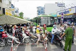 Ùn tắc giao thông tại các chốt kiểm soát quận Gò Vấp, TP Hồ Chí Minh