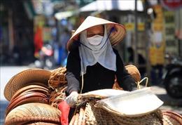 Hà Nội: Người dân mưu sinh dưới cái nắng gay gắt