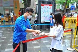 Công tác phòng, chống dịch được thực hiện nghiêm túc ngay từ buổi thi đầu tiên tại Hà Nội