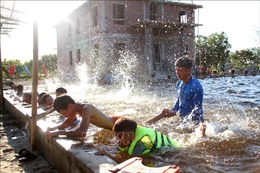 Dạy bơi miễn phí cho trẻ để hạn chế nguy cơ đuối nước