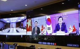 Chủ tịch Quốc hội Vương Đình Huệ hội đàm trực tuyến với Chủ tịch Quốc hội Hàn Quốc