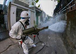 Phun khử khuẩn các khu vực ở Đà Nẵng có nguy cơ cao lây nhiễm COVID-19