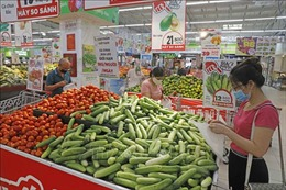 Hà Nội: Hàng hóa thiết yếu đầy đủ, người dân không mua hàng tích trữ