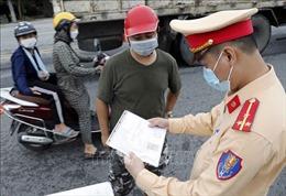 Hà Nội: Tháo gỡ khó khăn về giấy đi đường cho người dân, doanh nghiệp