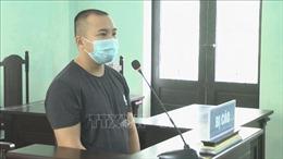 Chống người thi hành công vụ tại chốt kiểm soát dịch, lĩnh án 8 tháng tù
