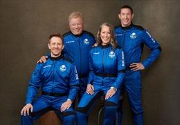 Blue Origin đưa hành khách lớn tuổi nhất bay vào vũ trụ
