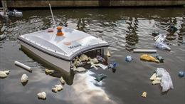 'Cá mập' không người lái dọn rác ở Dubai