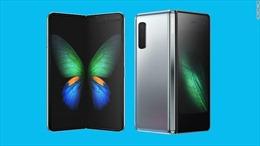 Điện thoại gập đôi của Samsung - Chiêu quảng cáo hay nhân tố thay đổi cuộc chơi?