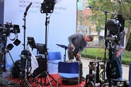 Ngắm dàn máy móc 'hạng nặng' của phóng viên quốc tế tại Hội nghị Thượng đỉnh Mỹ-Triều Tiên
