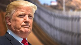 Tại sao Tổng thống Trump vừa ký thỏa thuận biên giới vừa tuyên bố tình trạng khẩn cấp?