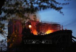 Lật lại đám cháy Nhà thờ Đức Bà Paris trong tiểu thuyết của đại văn hào Victor Hugo