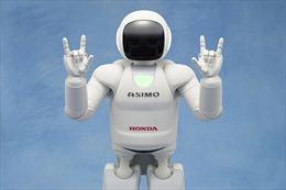 Con người phân biệt chủng tộc với cả robot