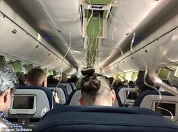 Máy bay rơi tự do gần 9.000m, hành khách hoảng loạn nhắn tin vĩnh biệt người thân