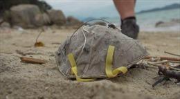 Khẩu trang thải đe dọa môi trường biển tại Hong Kong