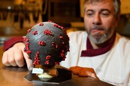 Thợ làm bánh Pháp sáng tạo trứng Phục sinh hình virus Corona