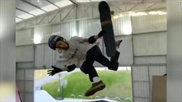 Xem cậu bé 11 tuổi trượt ván xoay 1.080 độ trên không