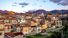 Ngắm thị trấn Italy bán nhà rẻ như cho, giá 1 euro