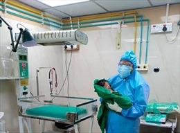 Bệnh viện Ấn Độ đón gần 700 sản phụ mắc COVID-19