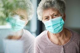 Châu Âu chìm trong COVID-19, báo động xu hướng người già mắc bệnh