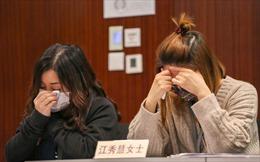 Chủ thẩm mỹ viện Hong Kong khóc, cầu xin chấm dứt phong tỏa