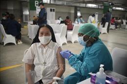 COVID-19 tại ASEAN hết 25/2: Campuchia có 65 ca mắc mới; Nhiều nước bắt đầu tiêm chủng