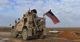 Xe quân đội Mỹ chở bột mỳ đánh cắp ùn ùn rời Syria