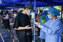 Trung Quốc căng thẳng vì ổ dịch COVID-19 mới lan ra 15 thành phố trong hơn 1 tuần