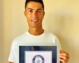 Ronaldo nhận kỷ lục Guiness