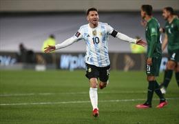 Messi 'vượt mặt' Pele về số lần ghi bàn cho đội tuyển quốc gia