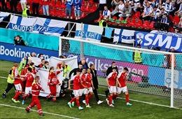 EURO 2020: Bóng đá châu Âu sốc với việc ngôi sao đội Đan Mạch đột quỵ trên sân