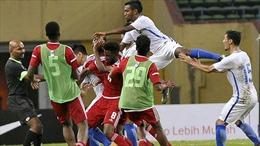 Toàn cảnh 'hỗn chiến' ngay trên sân giữa U23 Malaysia và UAE