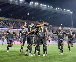 Xem con trai Ronaldo ghi bàn 'dễ như ăn kẹo' trong màu áo Juventus 'nhí'