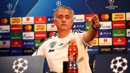 Jose Mourinho 'phản pháo' báo chí trong họp báo của Manchester United