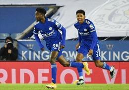Đánh bại Chelsea 2 - 0, Leicester lên đỉnh Ngoại hạng Anh