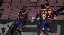 Barcelona áp sát ngôi đầu La Liga