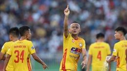 Vòng 11 V-League 2021: Khúc cua quyết định