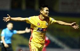 Hoàng Anh Gia Lai cùng Nam Định tiếp tục thăng hoa, Hà Nội FC lâm nguy