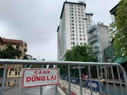 Hà Nội phong tỏa đường Trần Phú, chuẩn bị tiếp tục 'cắt ngọn' tòa nhà 8B Lê Trực