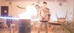 Yêu cầu xử lý thông tin về việc đốt sách vở học sinh Trường THPT Hà Nội - Amsterdam để quay MV