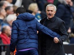 'Gà trống' vang tiếng ngày Mourinho ra mắt