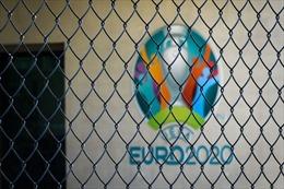 Ảnh hưởng lớn từ COVID-19: Nguy cơ nhiều thành phố 'trốn' đăng cai Vòng chung kết EURO 2020