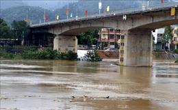 Mực nước hạ lưu sông Hồng tiếp tục lên trong 12 giờ tới