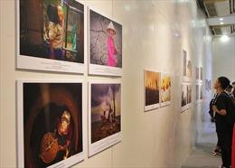 Triển lãm ảnh UN75 chuyển tải mong ước về tương lai của giới trẻ