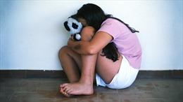 Rúng động bố nuôi ác thú xâm hại trẻ em